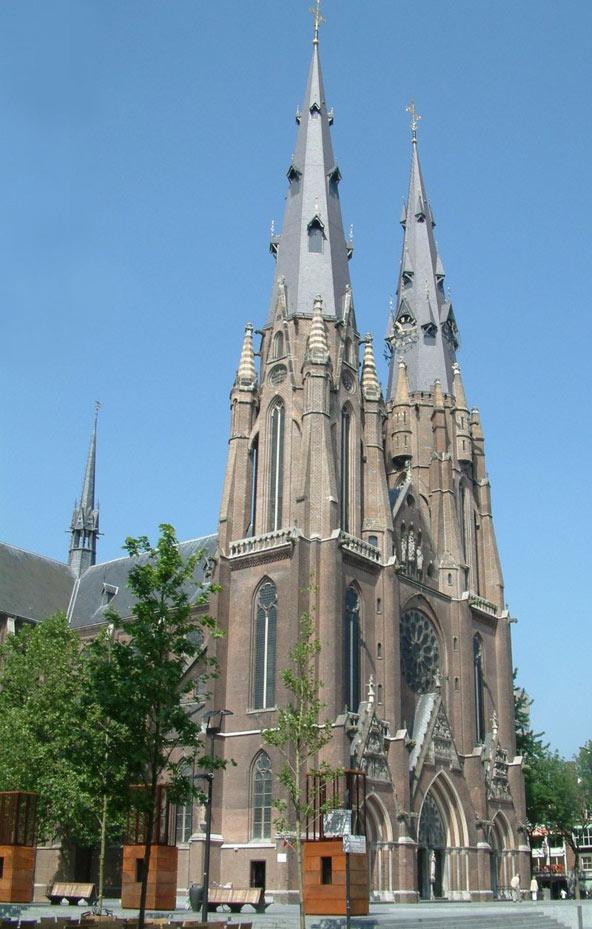 כנסיית סנט קתרינה, המרשימה בכנסיות העיר