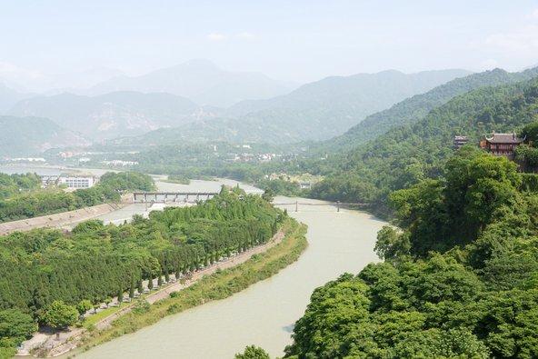 מפעל המים דו ג'יאן גיאן. ממפעלי המים הגדולים בהיסטוריה | צילום: beibaoke / Shutterstock.com
