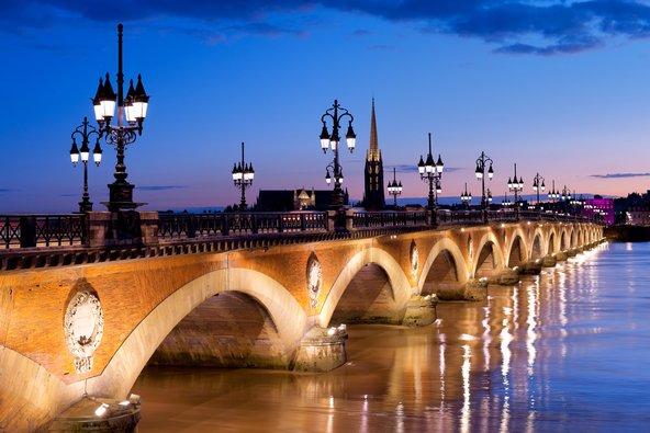 גשר פייר שהפך לאחד מסמלי העיר