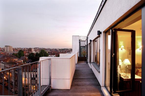 מרפסת נוף בסוויטת אמבסדור במלון לה שטלאן