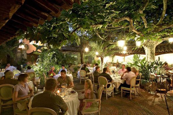 מסעדת L'oasis בקאן, צילום באדיבות Relais et châteaux