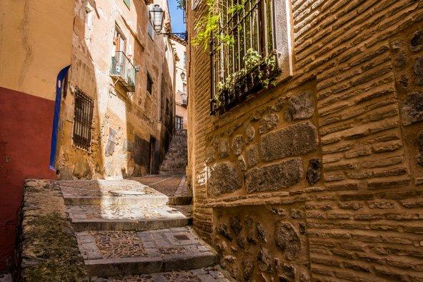 סמטאות צרות ומלאות אווירה בעיר העתיקה של טולדו   צילומים: שאטרסטוק
