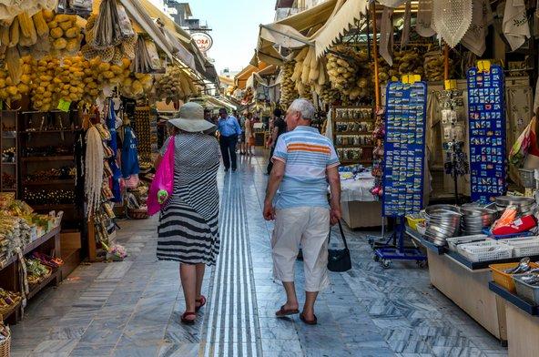 השוק המרכזי של הרקליון הוא מקום נהדר לחוויית קניות אותנטית | צילום: isidoros andronos / Shutterstock.com