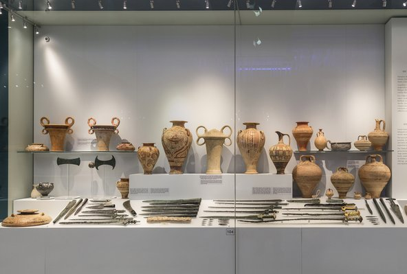 כדים במוזיאון הארכאולוגי של כרתים | צילום: volkova natalia / Shutterstock.com