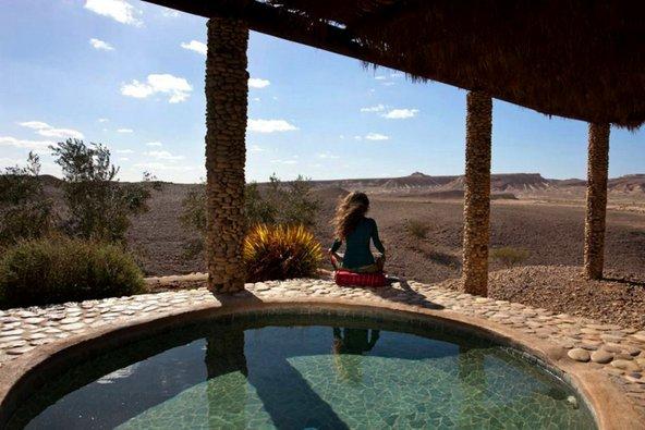 המרחבים המדבריים הנשקפים מהסוויטות בארץ ערבה מרחיבים את הלב והנשמה | צילום: גידי בועז