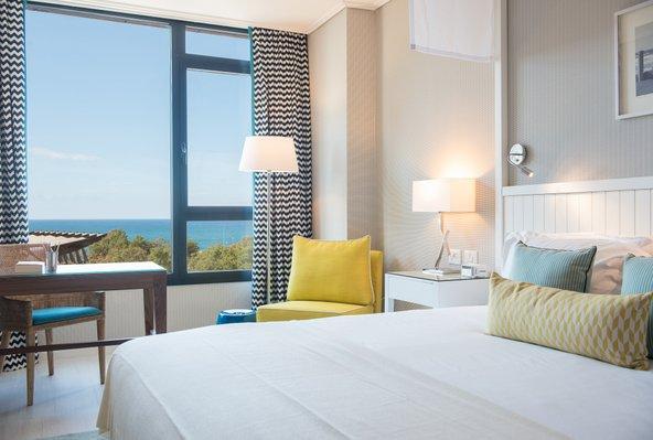 מהחדרים של מלון מלודי נשקף נוף נפלא לים | צילום: סיון אסקיו