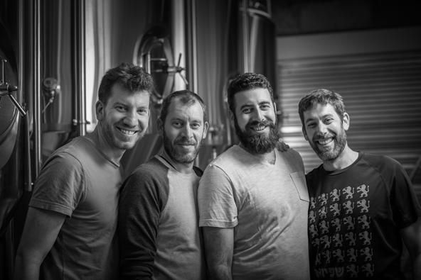הפנים מאחורי בירה שפירא הירושלמית: האחים לבית שפירא (לאחרונה הצטרפה גם האחות תמר)