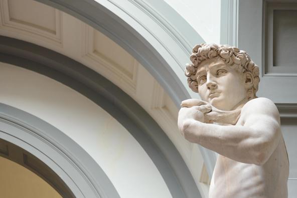 במרחק הליכה קצרצר מהשוק של פירנצה תוכלו לראות את פסלו המפורסם של מיכלאנג'לו, דוד