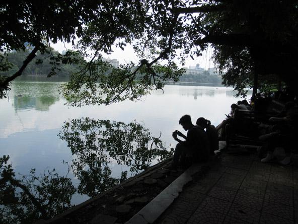 יום אחרון בהאנוי: אגם Hoan Kiem בעיר העתיקה