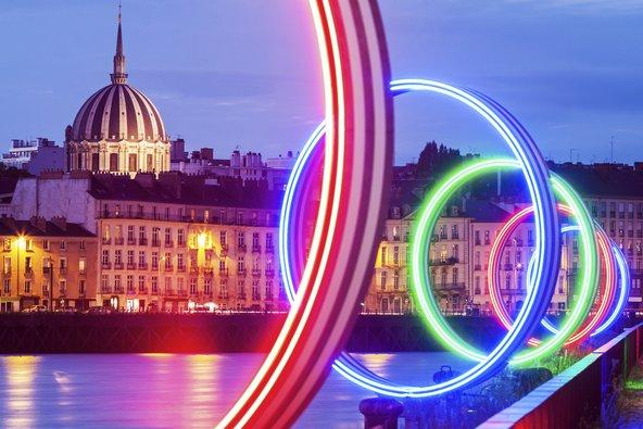 הטבעות של נאנט, מהמיצבים האמנותיים שמקשטים את העיר