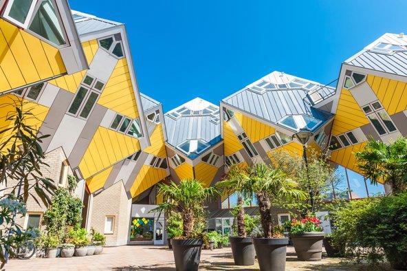 בתי הקוביות של רוטרדם נמצאים ממש בסמוך לשוק | צילום: cla78 / Shutterstock.com
