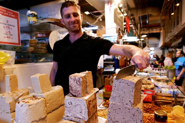 דוכן חלבה בשוק הנמל