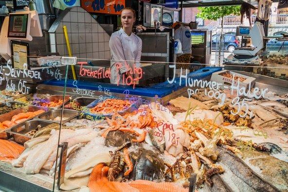 שוק טורווהלרן. מקום מצוין לקניית דגים ופירות ים טריים