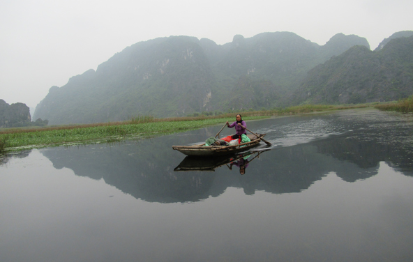 סירת במבוק בשמורת ואן לונג. מדהים, כבר אמרנו?