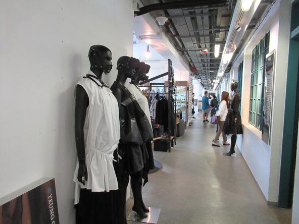 בוטיק ב-PMQ, מרכז של מעצבים ויוצרים צעירים, הממוקם במבנה ששימש למגורי שוטרים