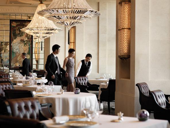 מסעדת קפריס במלון ארבע העונות. טעים, מהודר ויקר   צילום: Ken Seet, באדיבות Four Seasons HK