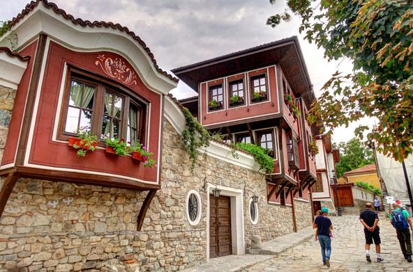 בתים צבעוניים ברובע העתיק של פלובדיב
