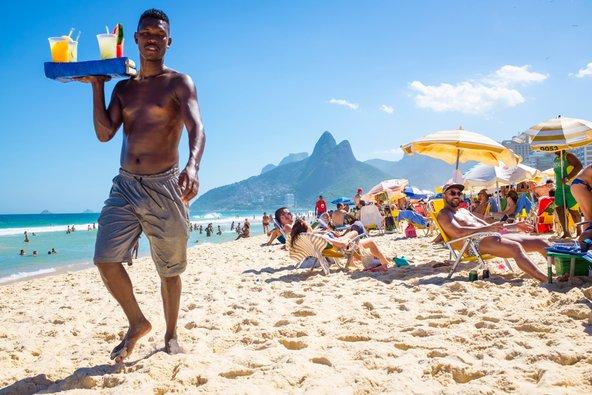 קשאסה (וקפירינייה שמכינים ממנה) נמכרת גם בחופי ריו