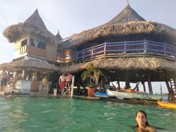 מקום מדהים, הוסטל עם אווירה נהדרת: הבית על המים
