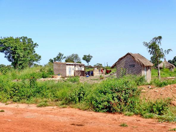 רק חלק קטן מתושבי צ'אד חיים בערים, רובם מתגוררים באזורים כפריים