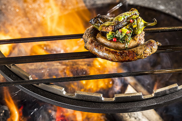 על האש: נקניקיית צוריסוס האנטר מתוצרת עצמית