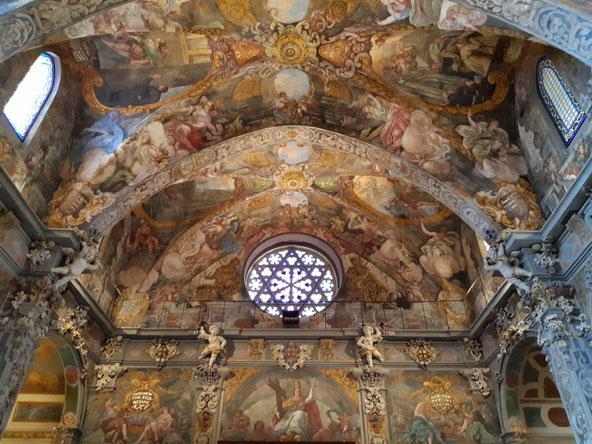 תקרה מהממת בכנסיית סנט ניקולאס
