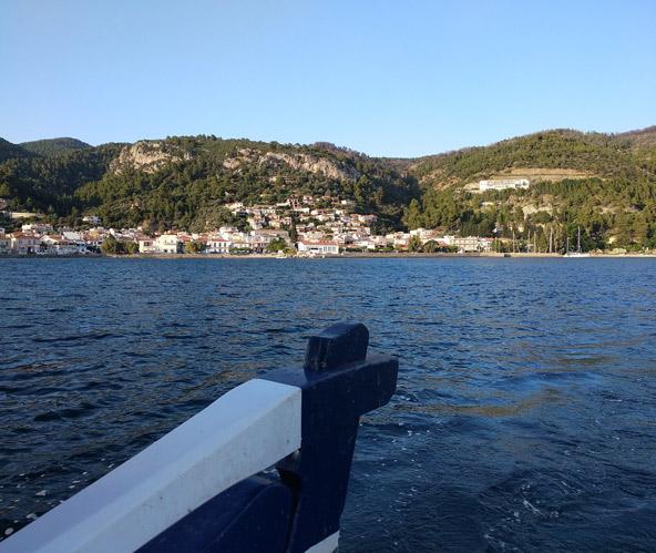 תצפית על הכפר לימני מסירת דייגים