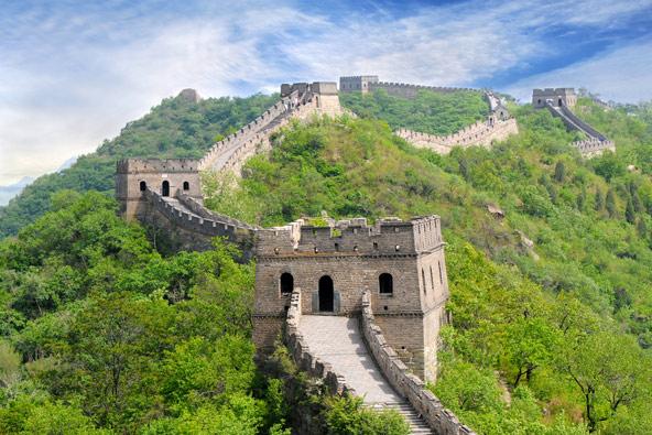 קטע החומה בבאדאלינג, שאליו מגיעים רוב התיירים, נבנה מחדש בתקופת שושלת מינג
