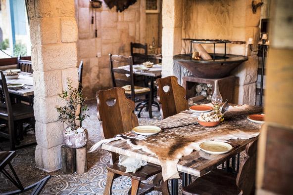 מסעדת בית הצייד בכפר ג'יש, צילום:אפיק גבאי