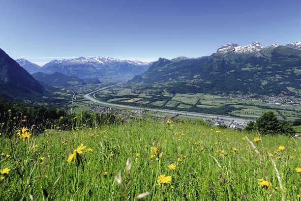 פסגות אלפיניות ועמקים ירוקים - נוף טיפוסי בליכטנשטיין | צילומים באדיבות Leichtenstein Marketing