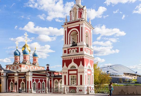 ההיסטוריה נשקפת מכל מבנה אדריכלי מפואר כאילו הזמן עצר מלכת