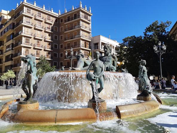 פלאזה דה לה וירחן, לב העיר העתיקה של ולנסיה | הצילומים בכתבה: רוני ערן