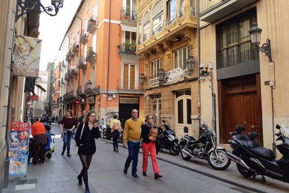 רחוב קאבאלרוס (הפרשים) ברובע אל כרמן בעיר העתיקה של ולנסיה, צילום: רוני ערן