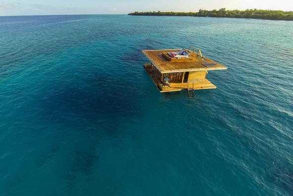 Manta Resort. חדר צף בלב ים טורקיז   צילום: באדיבות Manta Resort©