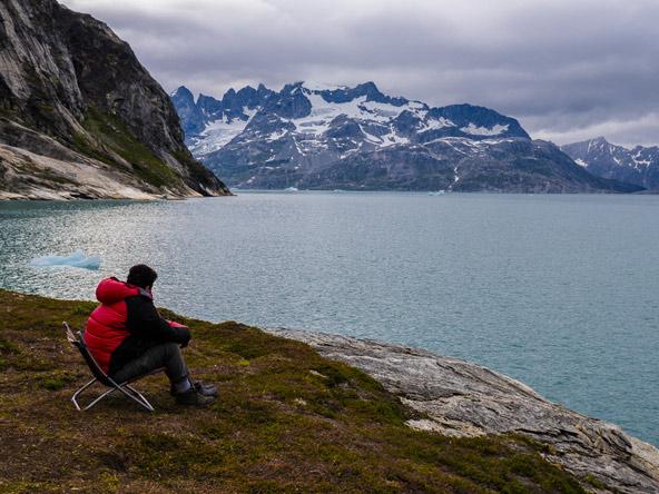 רגיעה מול נופי האי. טרק בגרינלנד מותיר רושם עז לכל החיים