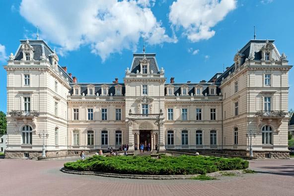 ארמון פוטוצקי, שנבנה עבור משפחת אצולה עשירה ורבת השפעה