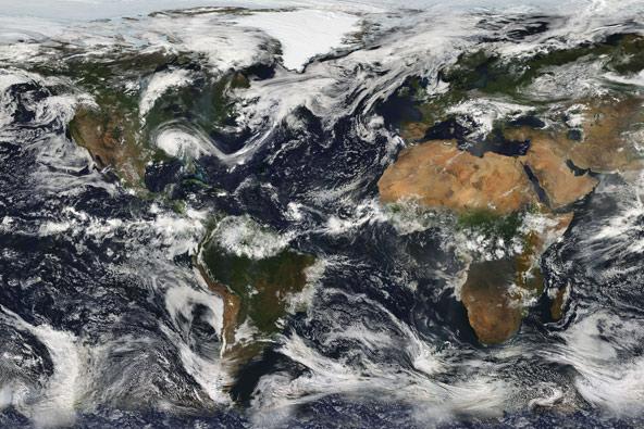 דברים שרואים משם: עננים מעל כדור הארץ, צילום NASA