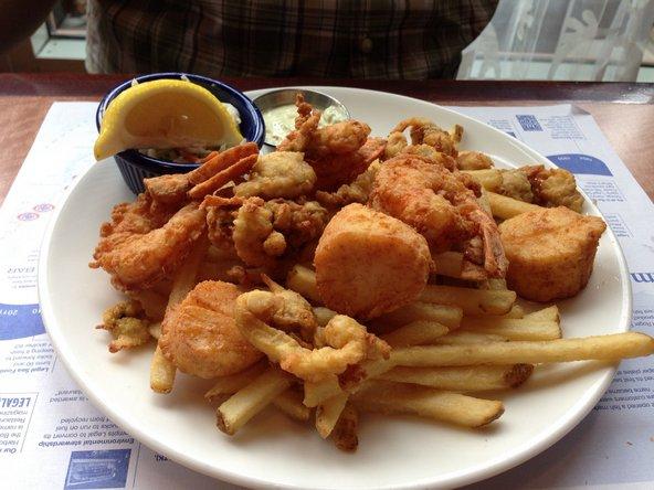 פירות ים ב-Legal Sea Foods | צילום: alirjd, flickr