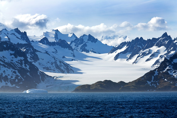 מנופי אנטארקטיקה, היבשת שאין בה תושבים אנושיים