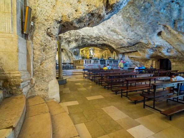 המערה של המלאך מיכאל במחוז פוליה בדרום איטליה