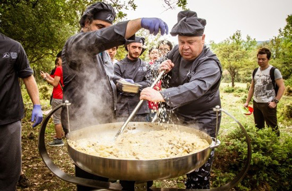 טיול ביער בלוויית מלקטי פטריות כמהין ובישול ארוחה בשטח | הצילומים באדיבות חברת רוח פראית