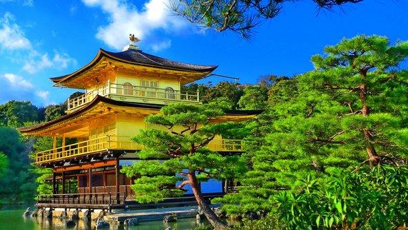 המקדש המוזהב בקיוטו, מהיפים במקדשי יפן