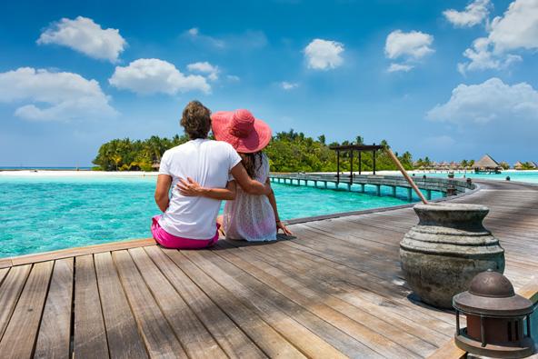 המלדיביים הם יעד מושלם לחופשה רומנטית אבל גם משפחות ימצאו המון מה לעשות פה