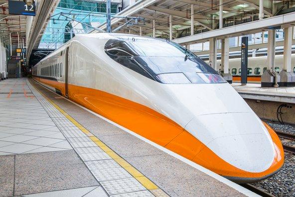 הרכבת המהירה והמתקדמת בין טייפה לקאושיונג   צילום: Wayne0216 / Shutterstock.com