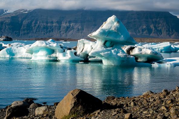 יוקולסרלון, לגונת הנהר הקרחוני, שבדרום האי