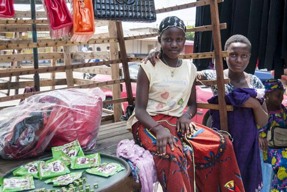 חוף השנהב: הקשר בין העבר למציאות