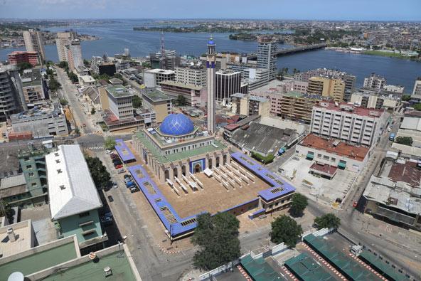 אבידג'אן, העיר הגדולה בחוף השנהב ובירתה לשעבר