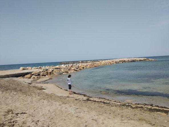 חוף שבי ציון, חוף נקי עם מים צלולים ושובר גלים. מתכון מנצח לחופשה שלווה