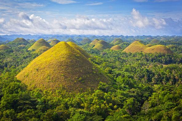 גבעות השוקולד באי בוהול