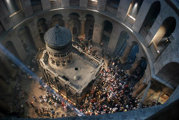 כנסיית הקבר בחג האור